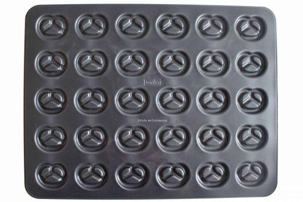 Backblech für Kekse Buchstaben und Zahlen oder Brezeln 42x32 cm ZENKER 6537