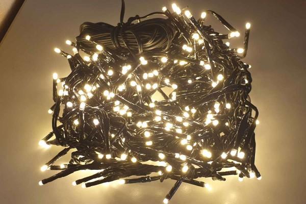 LED-Lichterkette 384er warmweiss für innen und außen Länge 5,5 m Weihnachten